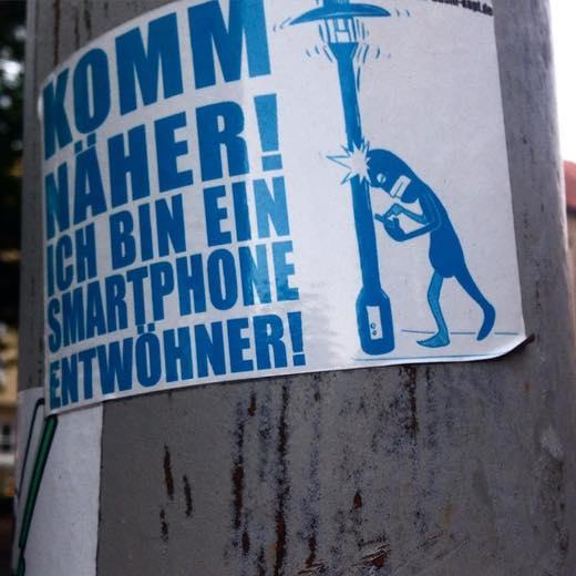 Komm näher! Ich bin ein Smartphone-Entwöhner.