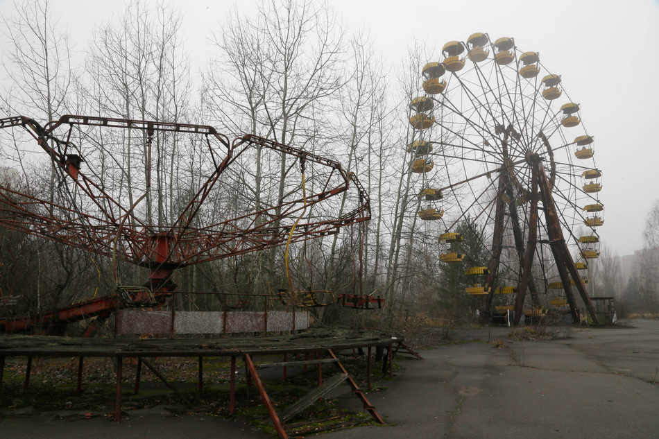 Tschernobyl / Prypjat heute -> http://www.longshadowofchernobyl.com/photos/the-abandoned-city-of-pripyat/